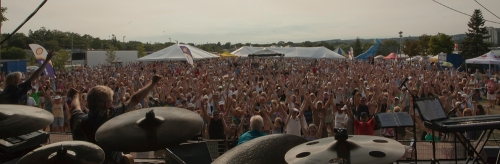 2011 - The Martels' view of Kempenfest Audience