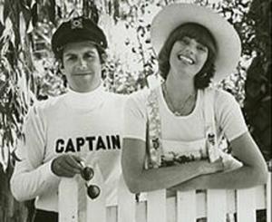 CaptainTennille1976